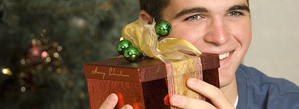 weihnachtsgeschenke eltern raiffeisenbank im oberland eg. Black Bedroom Furniture Sets. Home Design Ideas